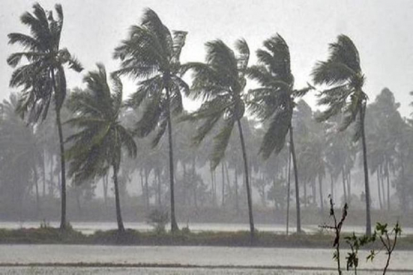 Hundreds of thousands evacuated as India, Bangladesh brace for super cyclone